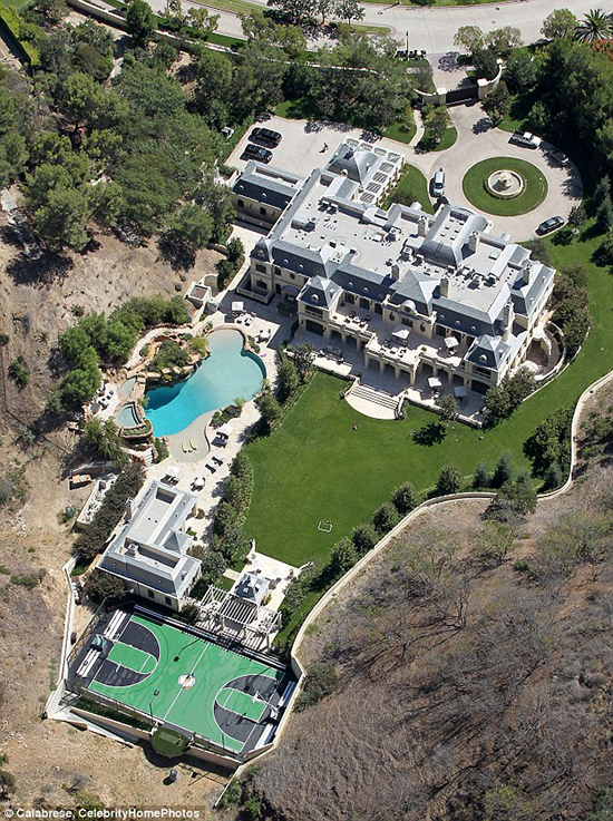 Beverly-Hills-Mark-Wahlberg-Mansion