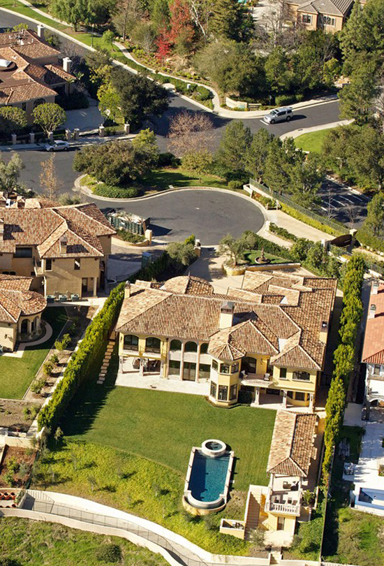 kim-kardashian-and-kanye-west-house