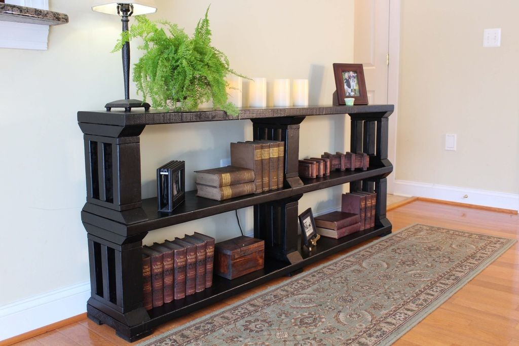 A beautiful DIY rustic bookshelf with the instructions available on the Instructables website.