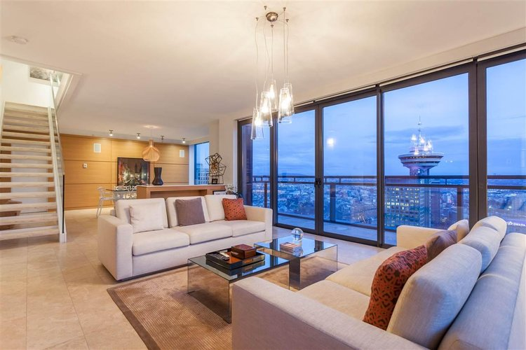 Jameson House Interior and view